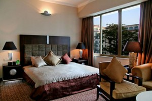 Guest Room of Dong Fang Hotel in Guangzhou