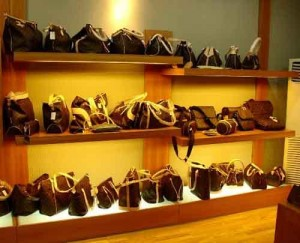 Leather Handbags in Gui Hua Gang Handbags Market