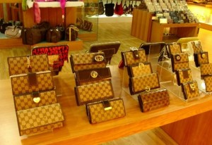 Leather Wallets in Gui Hua Gang Wallets Wholesale Market