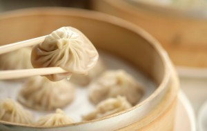xiaolongbao -- Steamed bun with juice