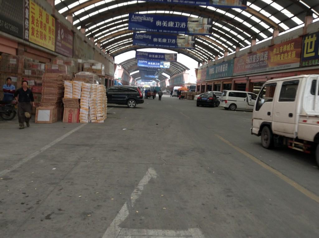 Inside Foshan Shiwan Zhiye Ceramic Markets-3