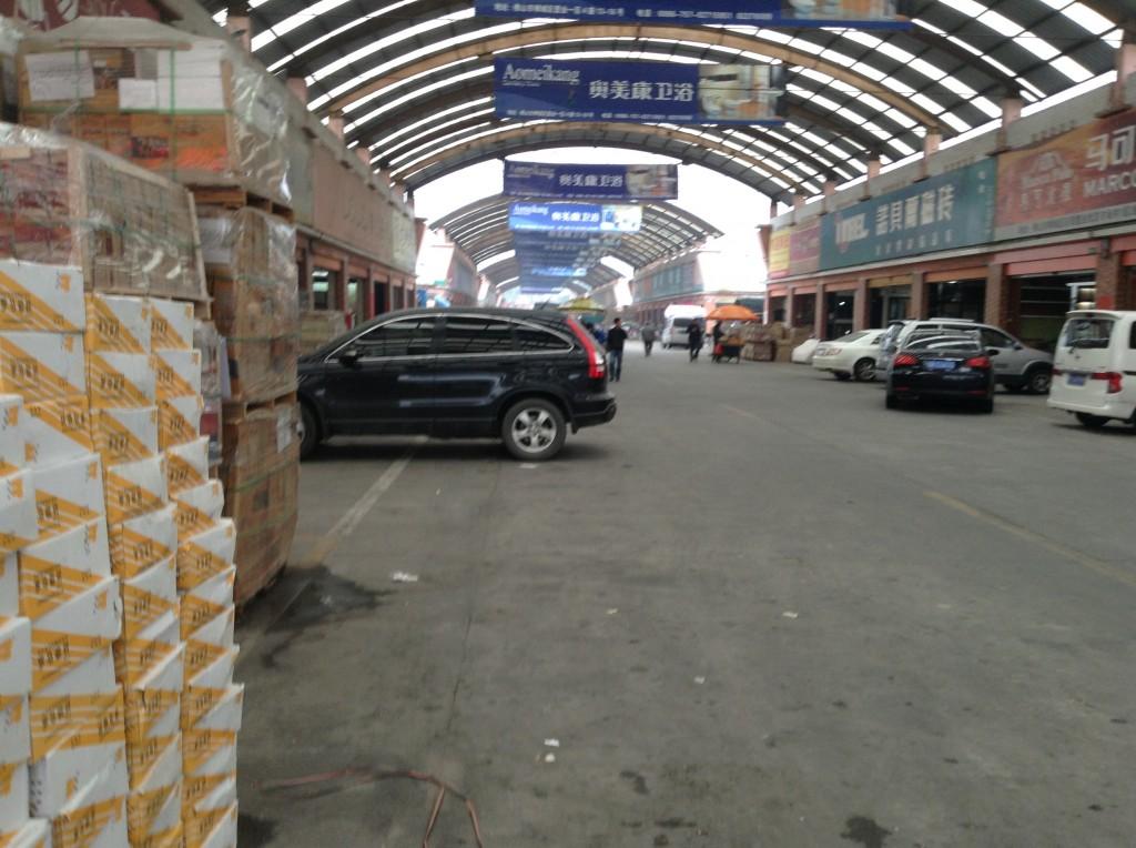 Inside Foshan Shiwan Zhiye Ceramic Markets-4