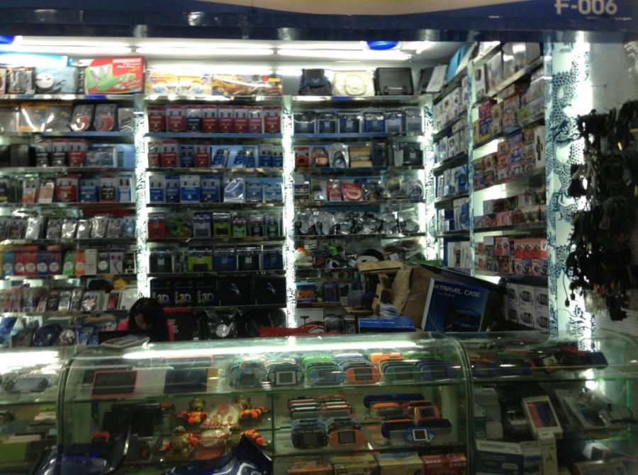 Wholesale Phone Cases Shop in Guangzhou Xidier Electronic Market-8