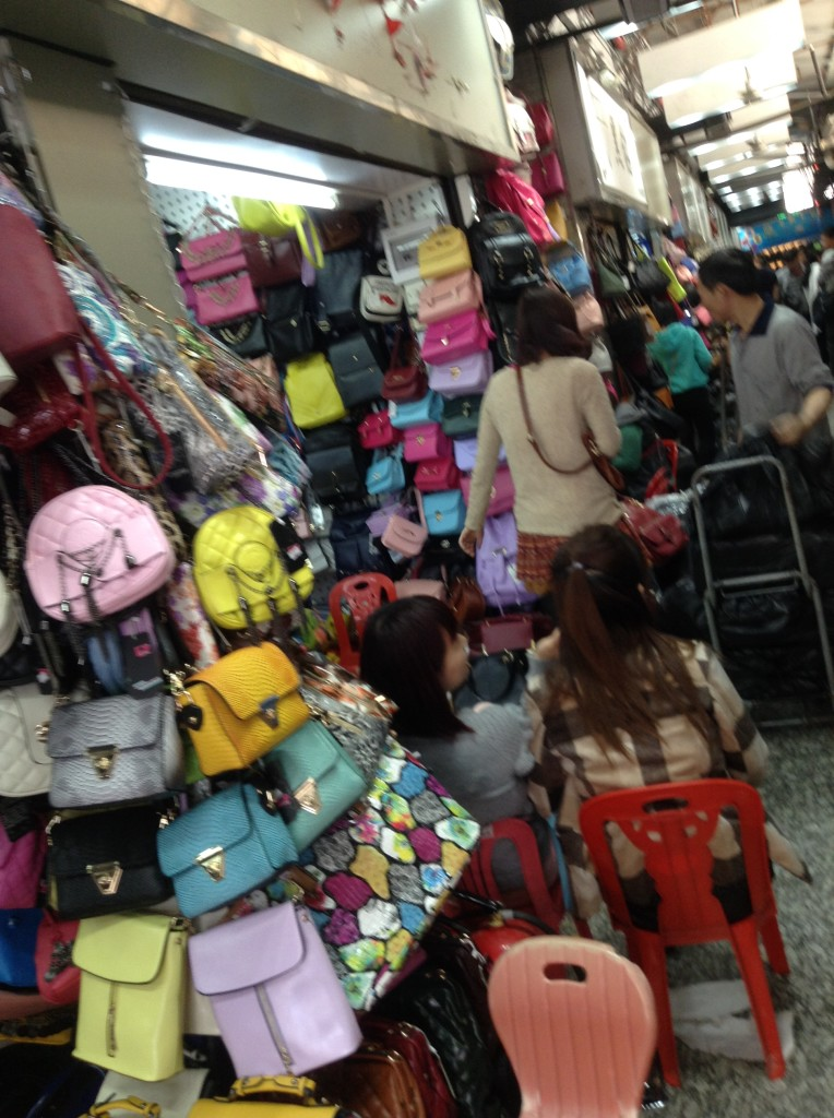 Handbag shops in Shui Dian Leather Building, Guangzhou-3