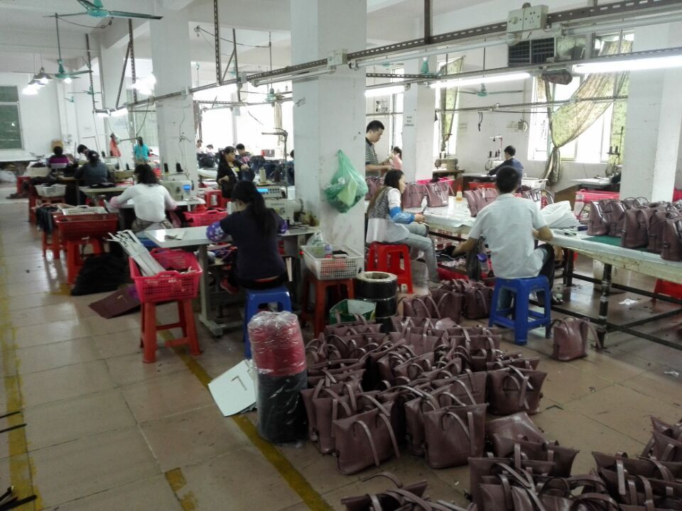 Importing from China–An Introduction of Guangzhou Handbags Factory with Small MOQ
