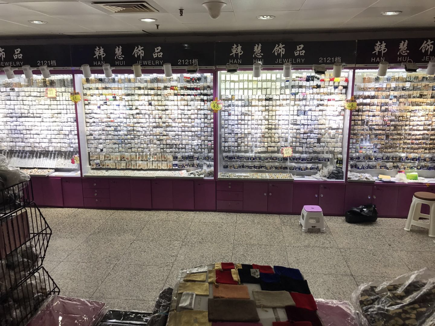Taikang jewelry wholesale market in Guangzhou, China-10