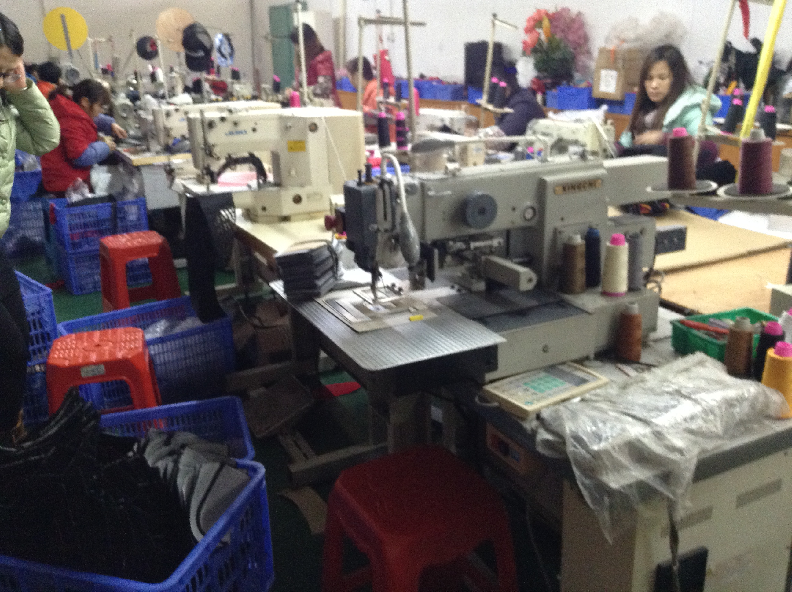 Workshop of Guangzhou Hats Manufacturer-2
