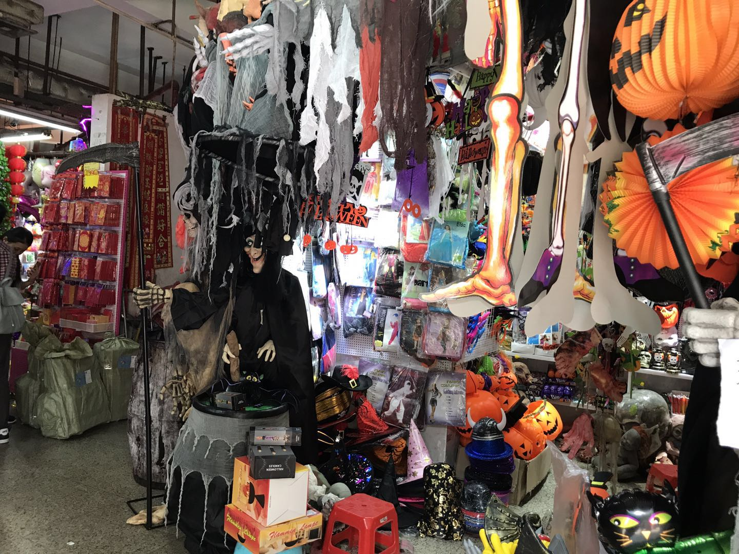 Debao Toys&Stationery Wholesale Market in Guangzhou, China-2