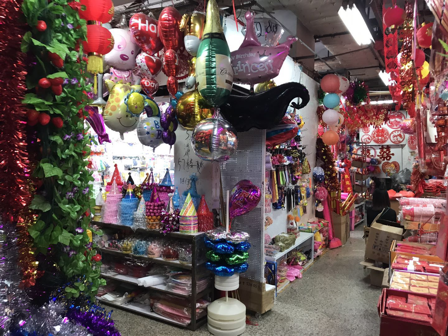 Debao Toys&Stationery Wholesale Market in Guangzhou, China-4