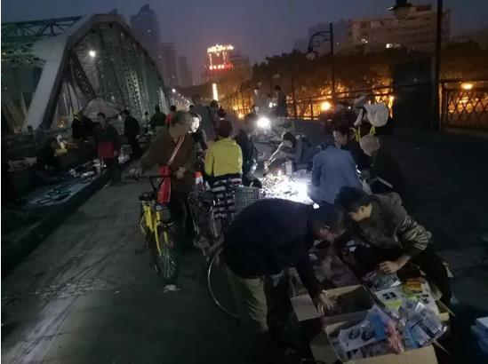 Dawn Market in Guangzhou, China-3