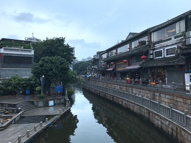 Litchi Bay in Guangzhou, China-3
