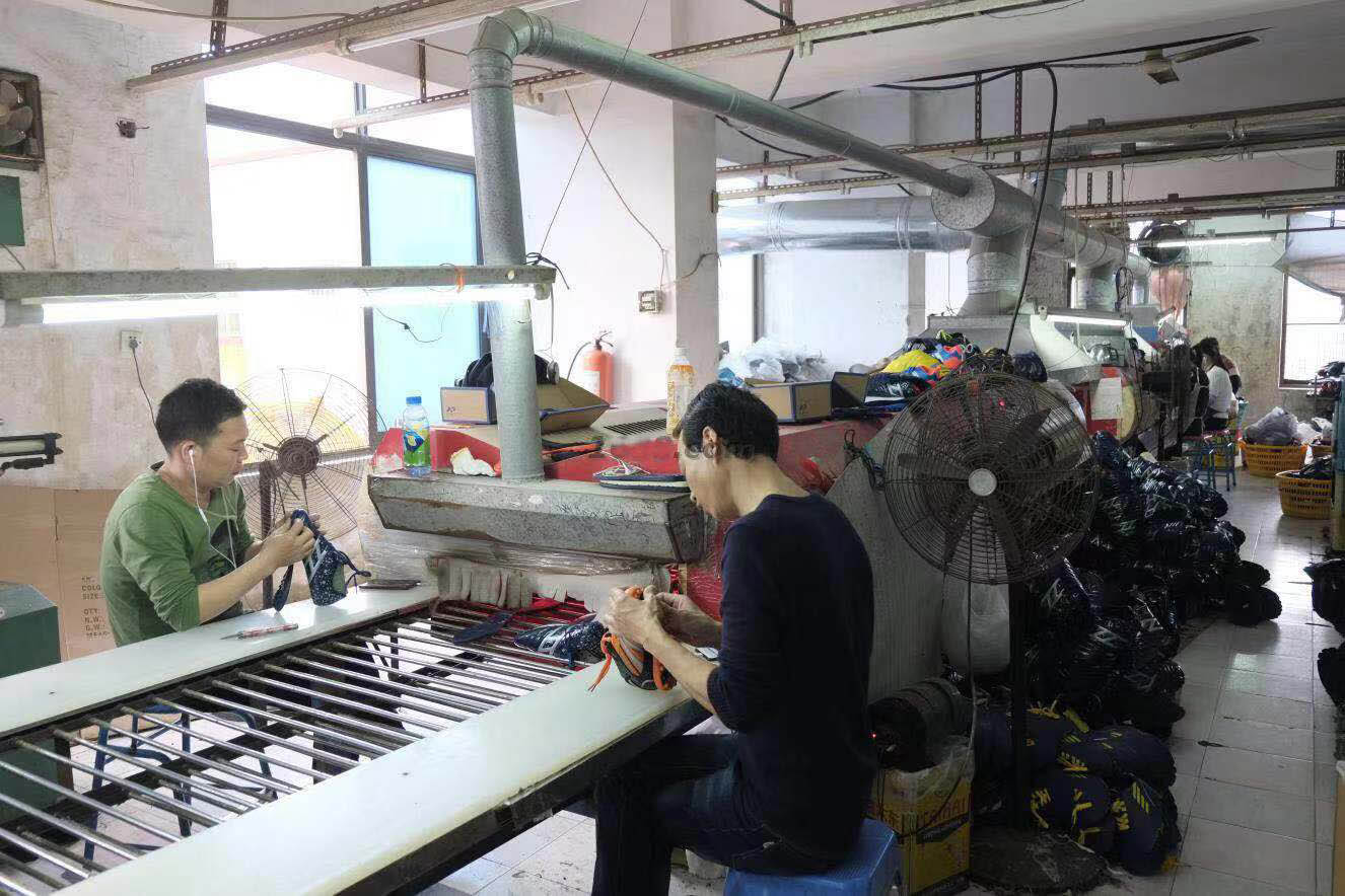 Assembly line of running shoes factory in China-1