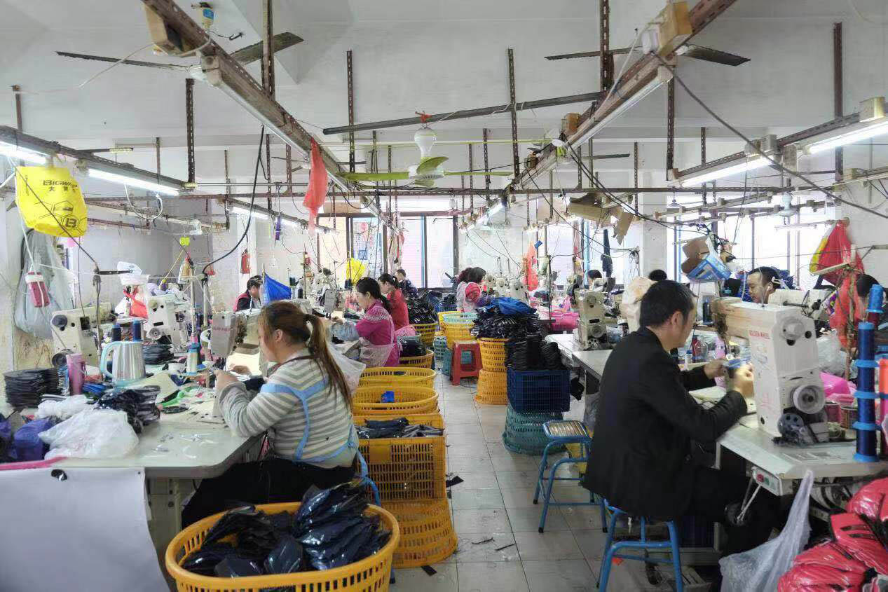 Assembly line of running shoes factory in China-3