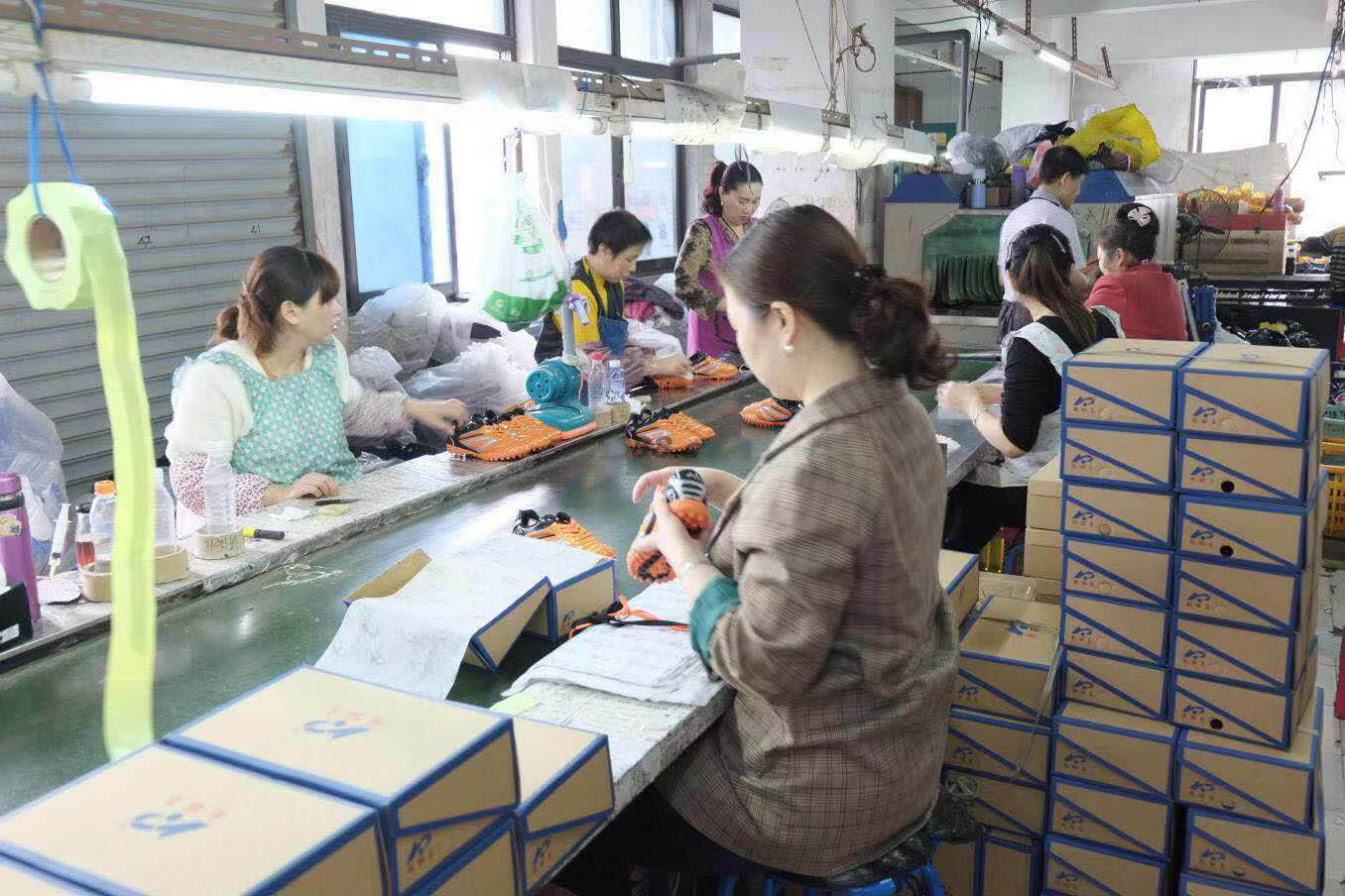 Assembly line of running shoes factory in China-4