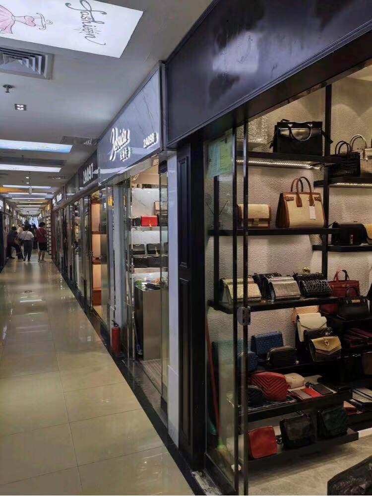 Shops in Guangzhou Baiyun World Leather Trading Center-1
