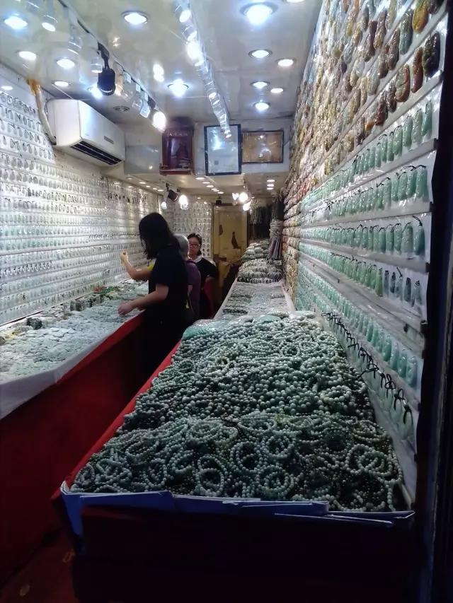 Shops in Hualin Jewelry & Jades City-2